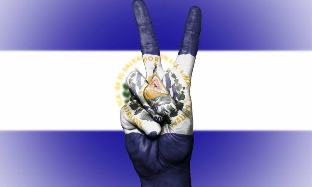 Por que lanzar Bitcoin, la billetera Chivo fue 'demasiado desafío' para el presidente de el Salvador